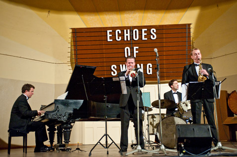 Echoes-of-Swing
